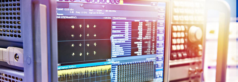 Digital Spectrum Analyzer and Signal Generator