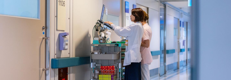 Medical professionals use mobile workstation